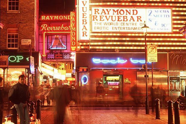 revue  When Britain's wealthiest man gave casino gambling a go revue