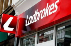 Government crackdown were following by Ladbrokes withdraws its online in-play services in Australia